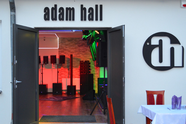 Adam Hall GmbH eröffnet Showroom in Polen
